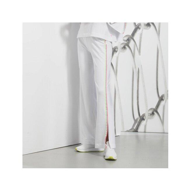 Hose mit Seitenschlitz